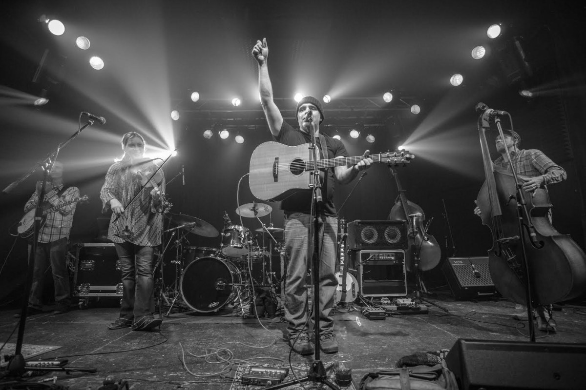 "Album Review: The Jakob's Ferry Stragglers ""White Lightning Road"""