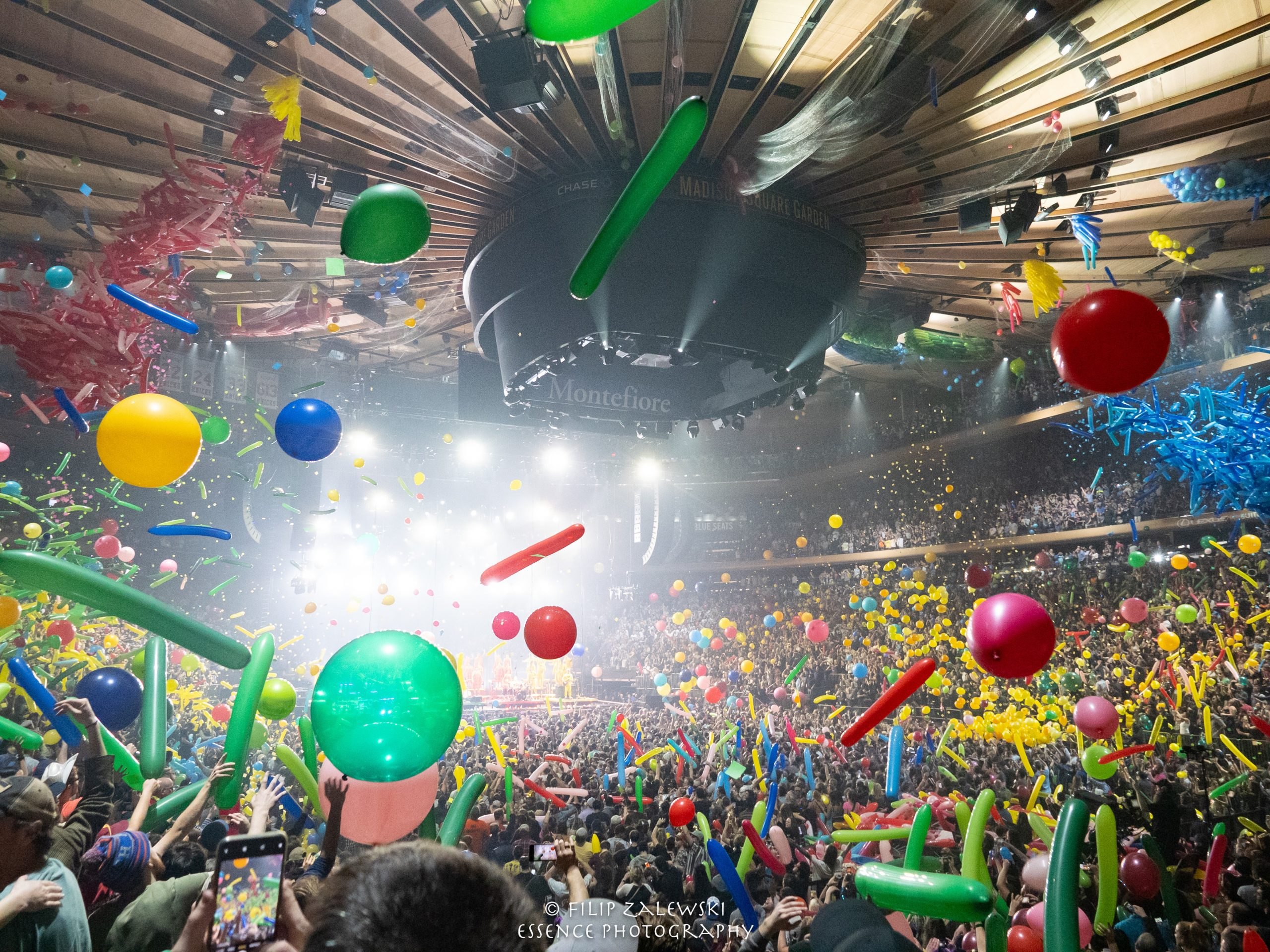 Phish NYE at MSG: Send In The Clones (and The Rescue Squad!)