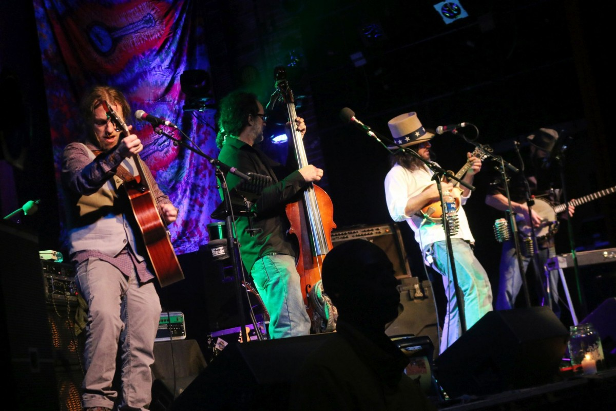 Show Review: Rumpke Mountain Boys, Larry Keel Experience, Restless Leg String Band NYE 12.31.16