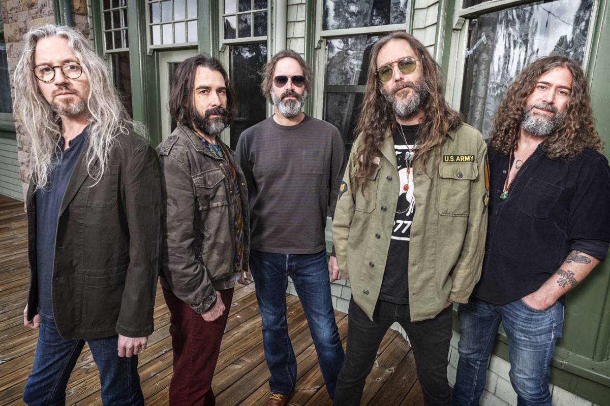 Chris Robinson Brotherhood Announce 'Servants Of The Sun'